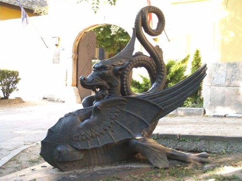 Öntöttvas sárkány