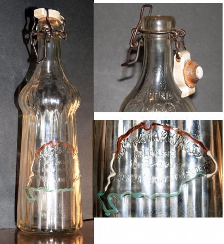 Csatos üveg 90 éves