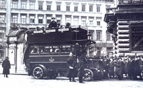 Első autóbusz Budapesten