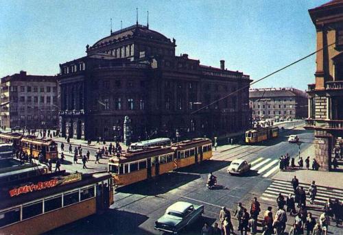 Blaha Lujza tér   BUDAPEST