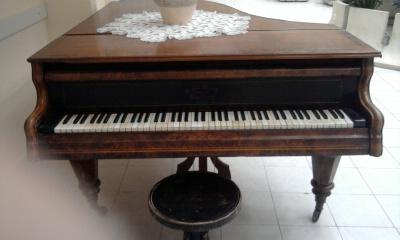 Bösendorfer zongora