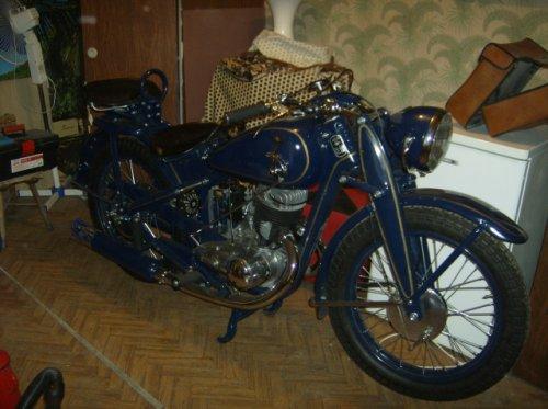IZS 350 motorkerékpár