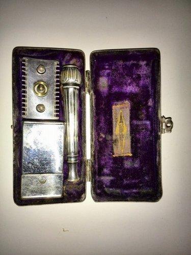 Gillette Pocket Edition