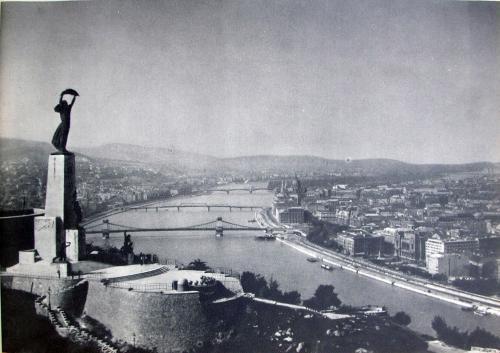 Citadella  Felszabadulási Emlékmű Kossuth-híd