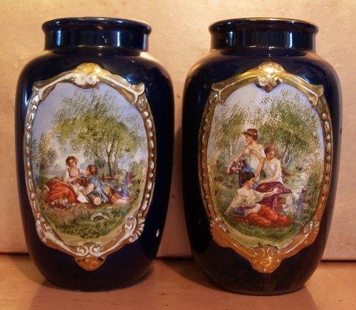 Hollóházi vázák idilli festménnyel