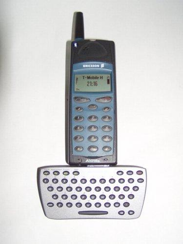 Ericcson mobiltelefon SMS billentyűzettel