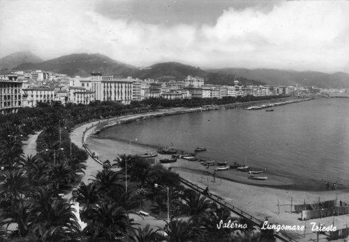 Salerno - Címkeresett képeslap