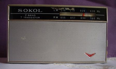 Sokol rádió URH-val.