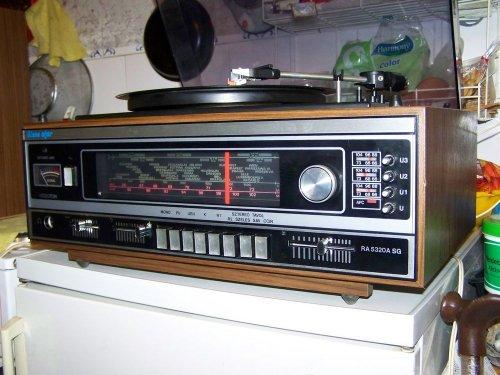 Videoton RA - 5320 A SG st rádió és NC - 420 lemezjátszó