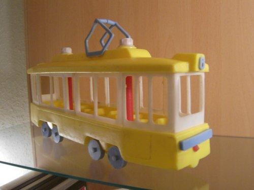 Műanyag játék villamos