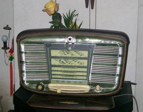Zvezda54 elktroncsöves szovjet rádió