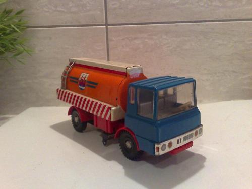 Ndk játék teherautó