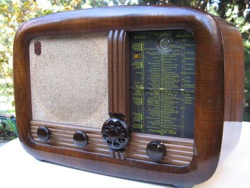 Minerva 506U csöves rádió 1949